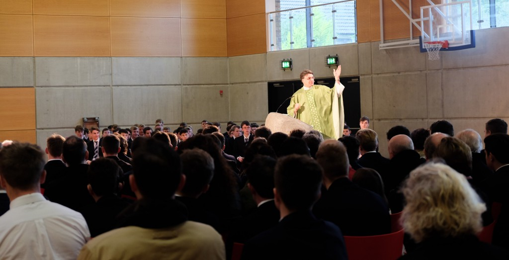 Sunday Mass at Conglowes Wood College